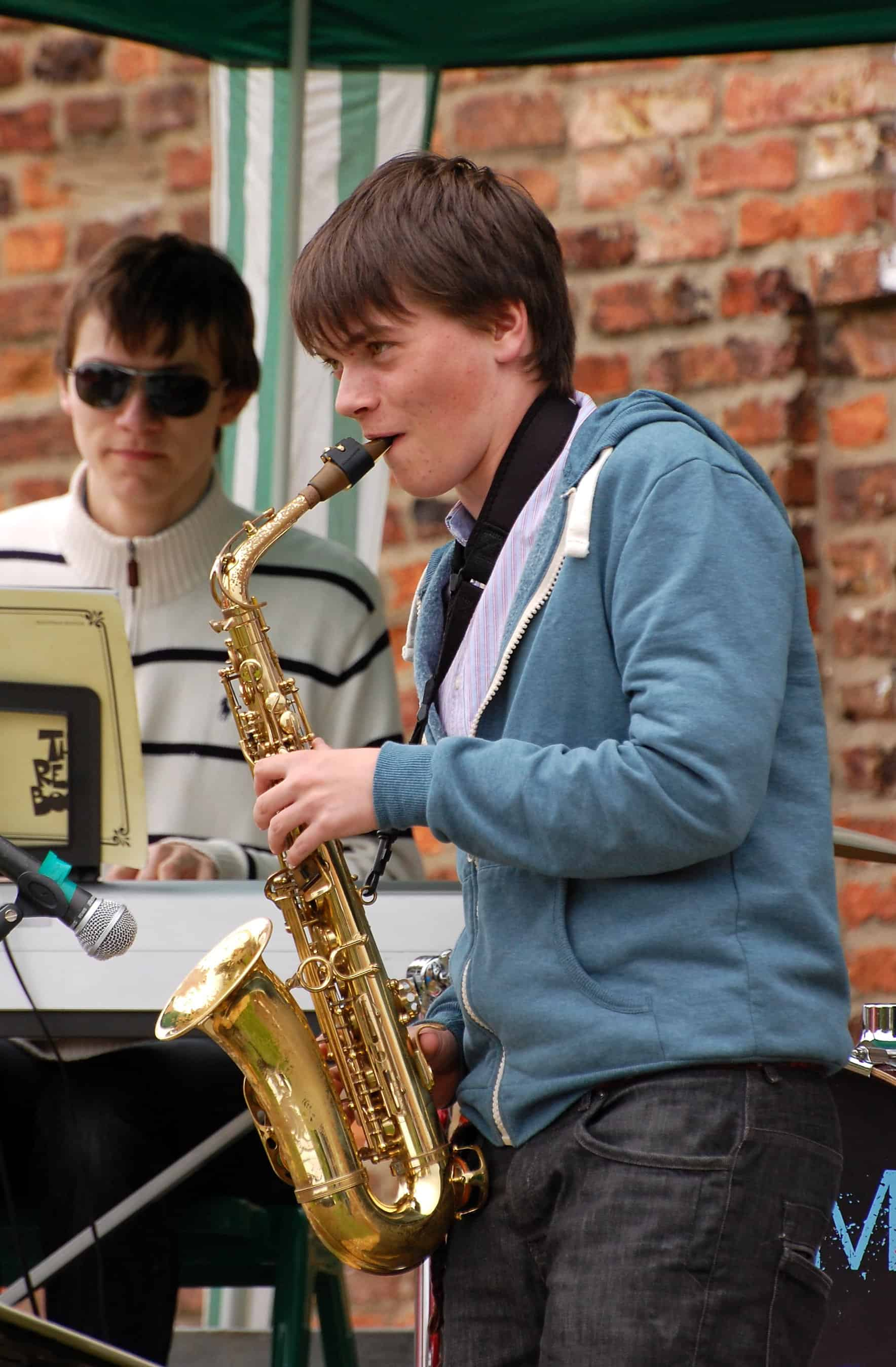 """Avoiding That """"Pain in the Neck""""; Addressing Posture and Neckstraps for Saxophonists"""