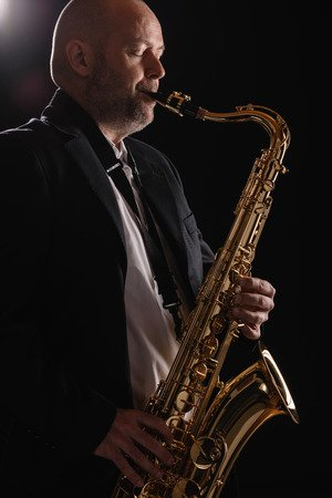 How to play the saxophone softer